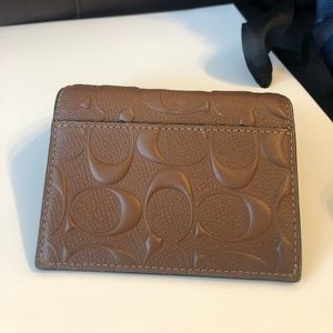 COACH bifold card case in sig crossgrain leather